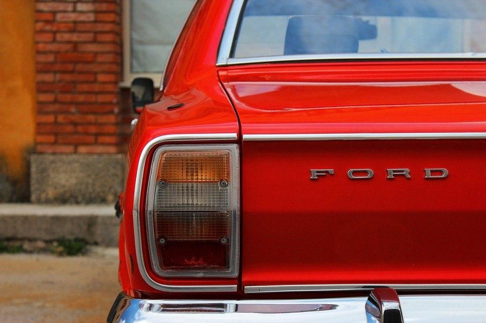 Regelbunden service av din Ford - en god investering